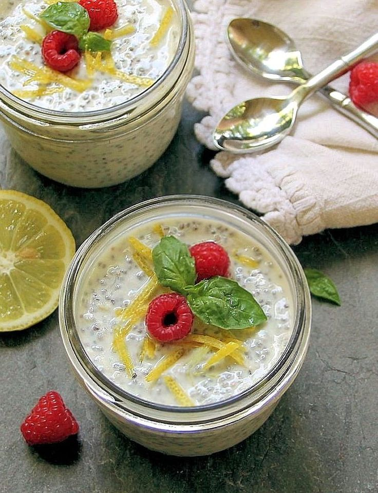 17. Lemon Chia Seed Pudding With Fresh Berries #healthy #chiaseed #recipes http://greatist.com/eat/chia-seed-pudding-recipes