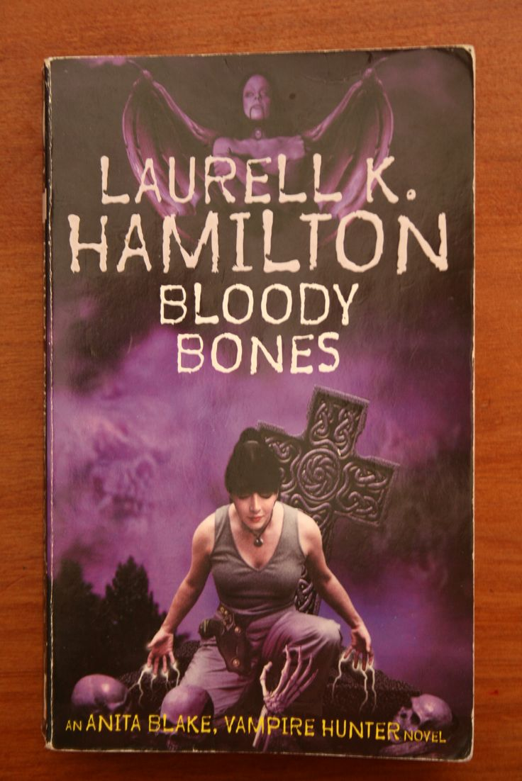 The sixth Anita Blake vampire hunter book - fey, werewolves and, of course, vampires - fun.