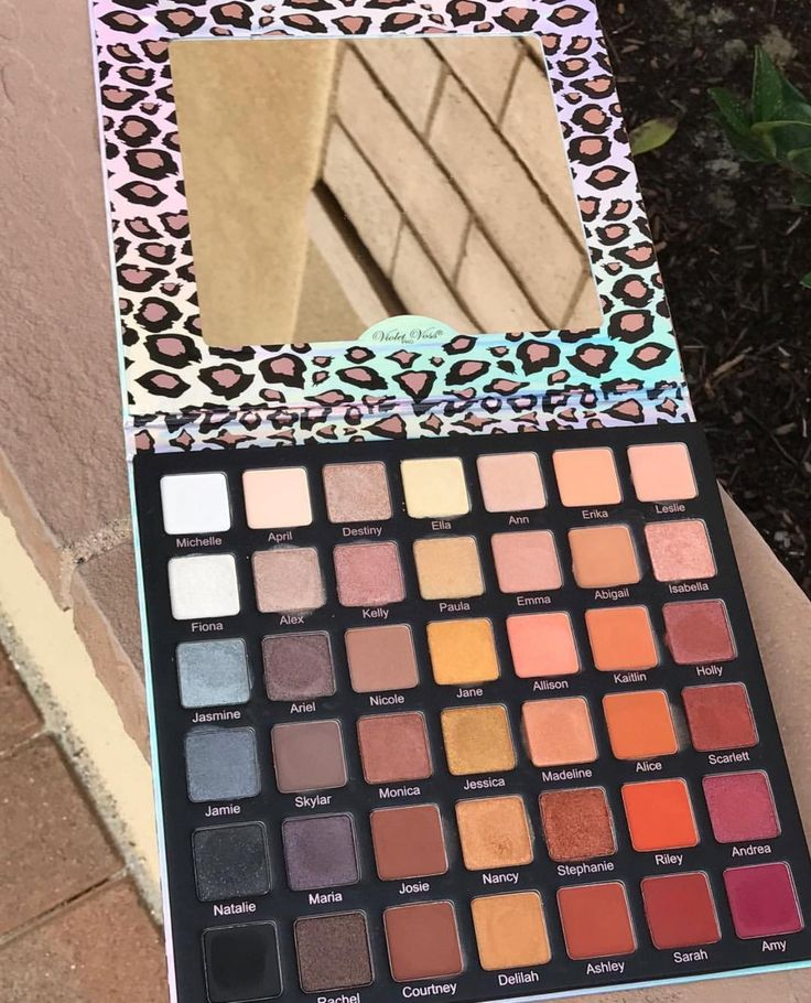 Violet Voss Ride or Die Palette  The best, I love this Palette so much. I keep it on my beauty table at all times.