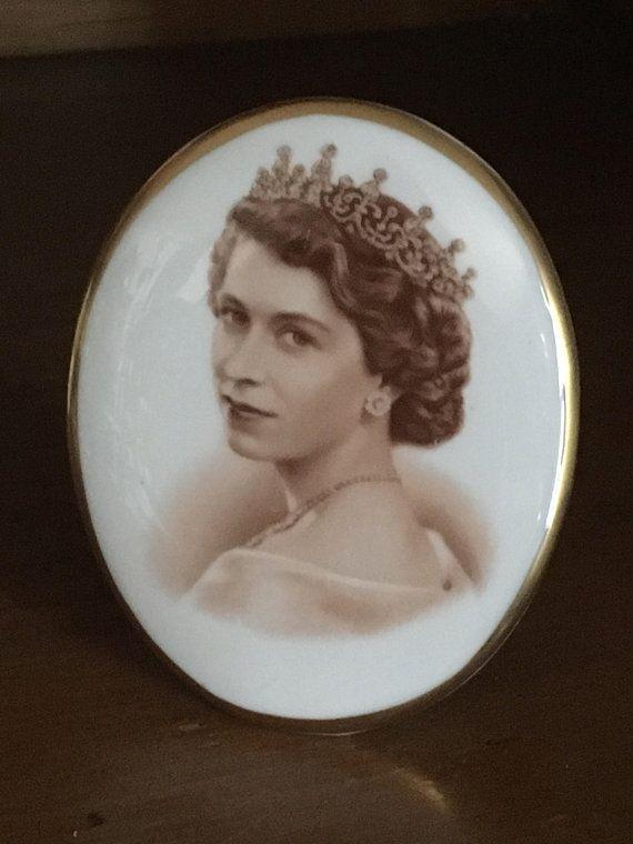 Tuscan China QUEEN ELIZABETH II Coronation Souvenir