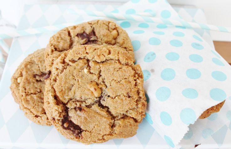 Chocolate cookies with peanut butter, peanuts and chocolate chuncks http://www.onekitchenblog.com/?p=1057