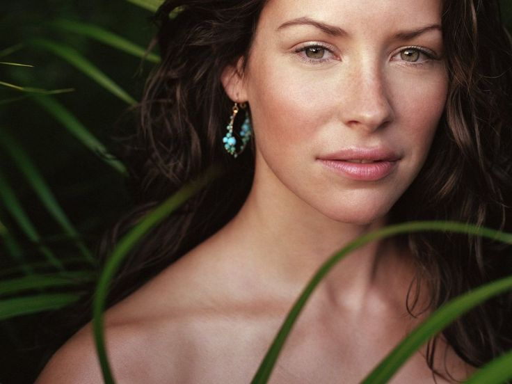 Evangeline Lilly...love her, not sure where to cast her yet, but i LOVE her...perhaps Anna from Thoughtless?  As suggested by Tosha Khoury. :)