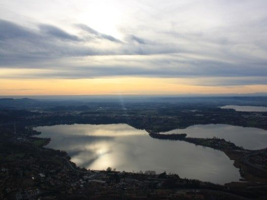 L'Eremo del Monte Barro a Galbiate permette di godere di un meraviglioso panorama sulla Brianza e il Lago di Lecco. Ostello e ristorante in cima.