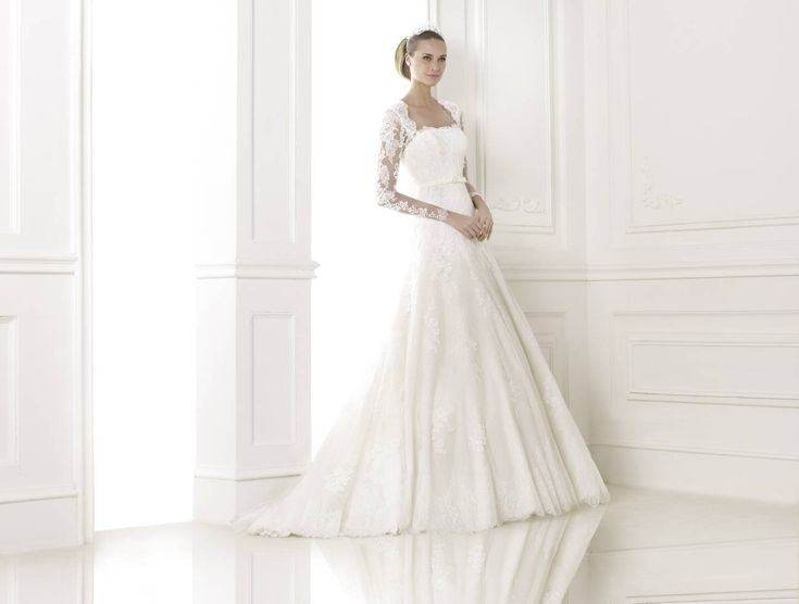 Basico esküvői ruha - Pronovias kollekció - La Mariée Budapest szalon  http://lamariee.hu/eskuvoi-ruha/pronovias/basico