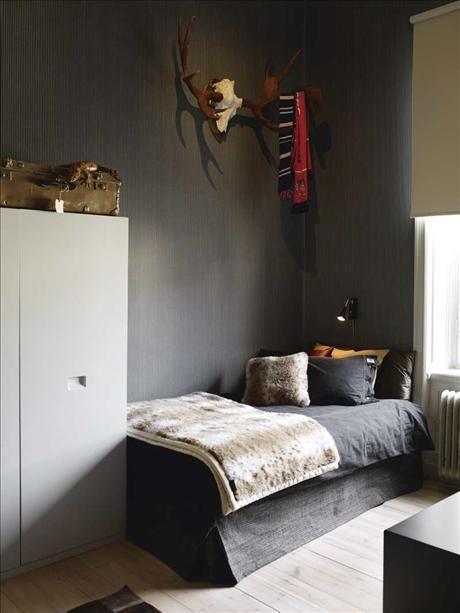 all sorts of grey. Skonahem