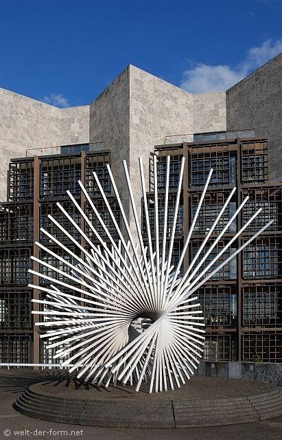 Andreu Alfaro - Werke im öffentlichen Raum