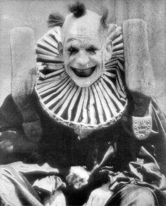 La Coulrophobie  est la peur des clowns. Ces photographies n'aident pas forcément à ne pas avoir peur de ces derniers. Et l'auteur Stephen...