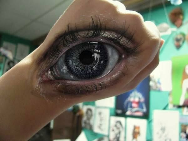 This is an Eye Destiny painted on the back of her hand (2014)