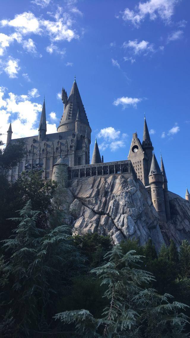 Hogwarts Castle In Universal Studios In Florida Harry Potter Castle Harry Potter Pictures Harry Potter Background