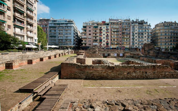 Navarino Square: Bohemian Hotbed - Greece Is