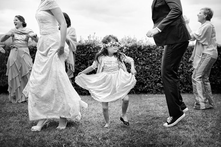 Дети на свадьбе. Интересны именно веселые моменты, не пошлые, скорее просто милые + ритмичность композиции