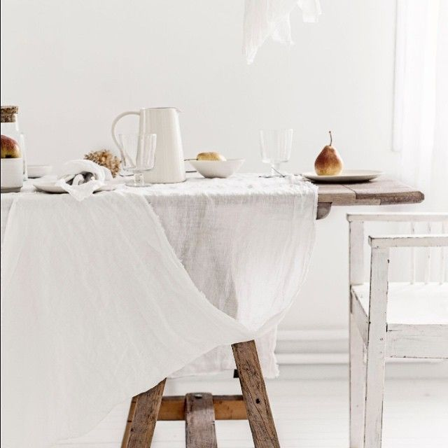Summer table. Our Ayrton napery in the perfect Scandinavian setting. From the kitchen of Line Kay @vintagepiken