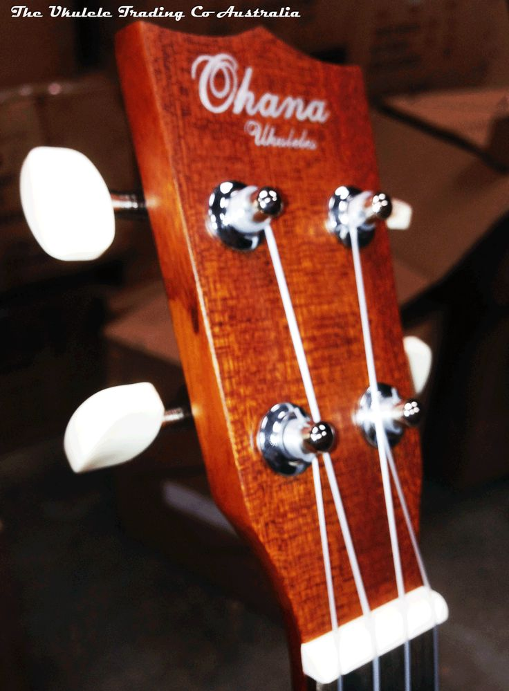 A nice little soprano, great for students and beginners. Geared tuners make tuning simple. A great value! Mahogany top, back & sides Rosewood fingerboard & bridge Geared tuners GHS strings