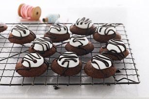 Chocolate-Marshmallow Cookies    http://www.kraftrecipes.com/recipes/chocolate-marshmallow-cookies-129973.aspx