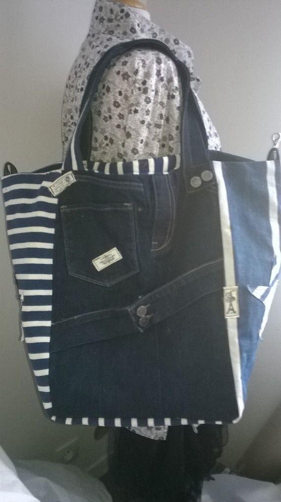 """cabas """"LOLY"""" toile jean's brodé couronne, toilematelas rayures bleu, application étoiles"""