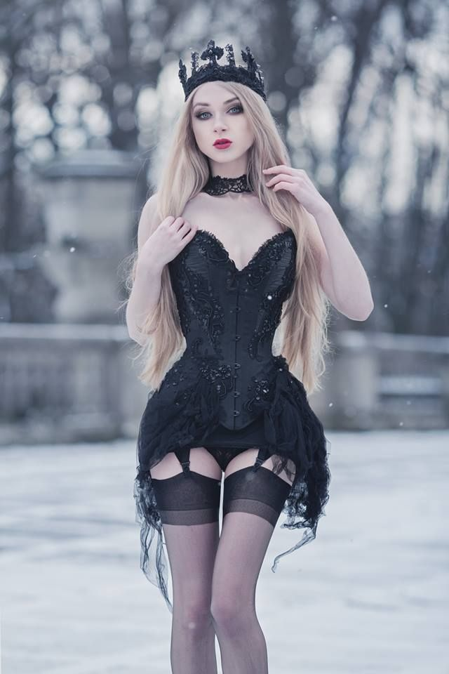 Model, photo, crown: Absentia  Corset: Royal Black Couture & Corsetry  Welcome to Gothic and Amazing |www.gothicandamazing.com