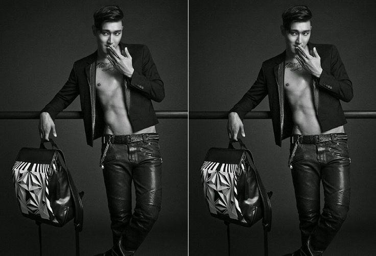 MataWanita.com - Tak hanya ingin dikenal sebagai anggota boyband ternama Super Junior atau aktor tampan, Choi Siwon atau yang akrab disapa Siwon ini menjajal profesi baru menjadi seorang desainer tas.