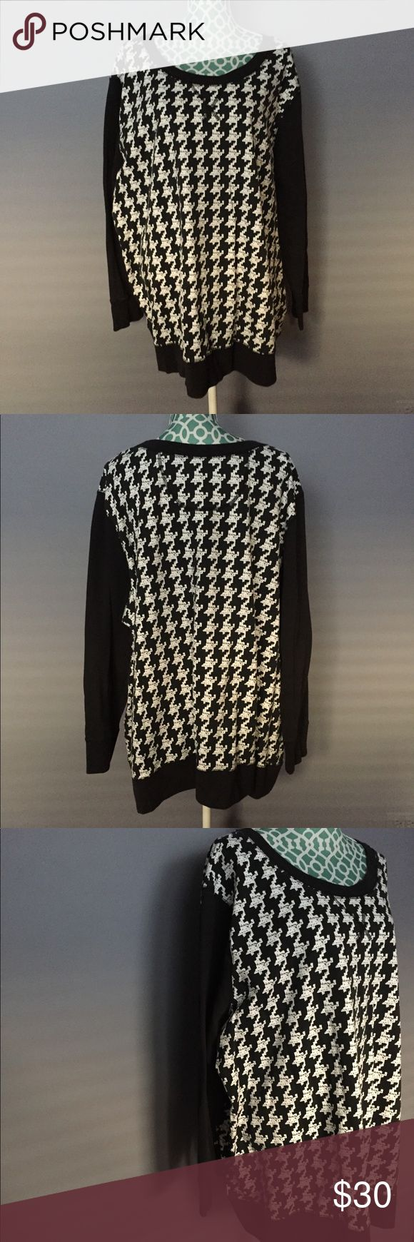 Woman Within Black & White Houndstooth Sweatshirt Excellent condition! Worn once! The black and white colors are classics that will never go out of style along with the chic houndstooth print! Super comfy! Measurements to come. No trades. Reasonable offers welcomed. Woman Within Tops Sweatshirts & Hoodies