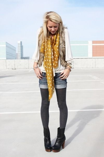 How To Be A Fashion Blogger, #2 - Perfect your pigeon-toed stance. Click image to see the full blog post. (from WTFPinterest.com)
