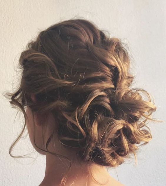Phenomenal 1000 Ideas About Messy Curly Bun On Pinterest Curly Bun Updos Short Hairstyles Gunalazisus
