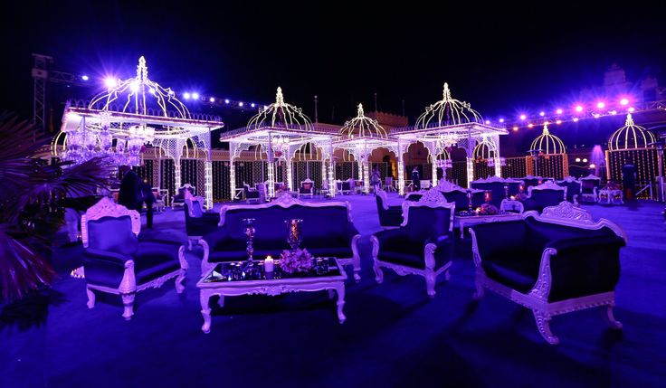 FnPWeddings - The best wedding planners in India where our experts give minute consideration in planning the décor at each wedding and make it a customized affair for our clients.