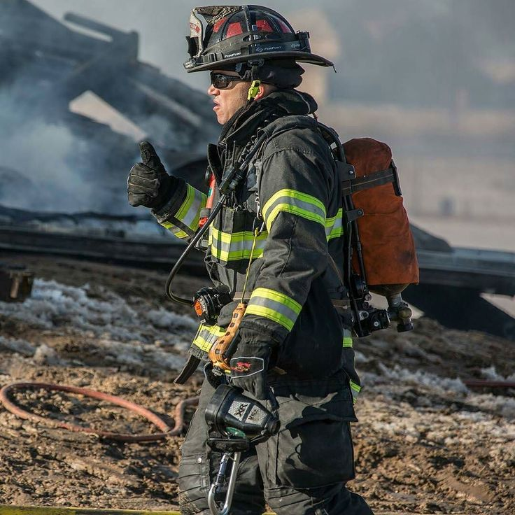 FEATURED POST @southmetropio - At least one South Metro Training & Safety Officer responds to every emergency potentially dangerous to the lives and health of firefighters. Armed with a gas meter thermal imaging camera hand tools their job is to ensure all operations are done safely. They are easily identified by an orange SCBA bottle cover. --- ___Want to be featured? _____ Use #chiefmiller in your post ... http://ift.tt/2aftxS9 . CHECK OUT! Facebook- chiefmiller1 Periscope -chief_miller…