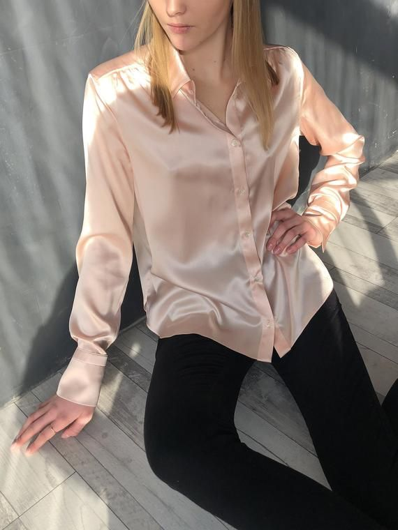 Femmes Chemise Top shirt Taille XL Under /& Over Fashion Couleur Argent