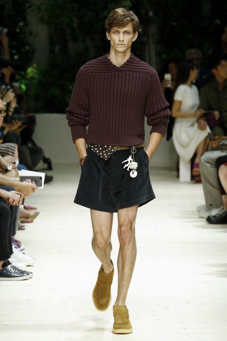 See the complete Salvatore Ferragamo Spring 2018 Menswear collection.