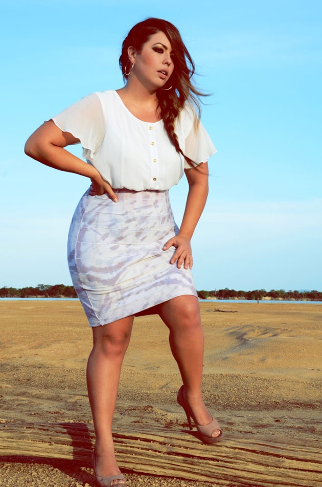 Fluvia Lacerda Big curvy plus size women are beautiful! fashion curves real women accept your body body consciousness