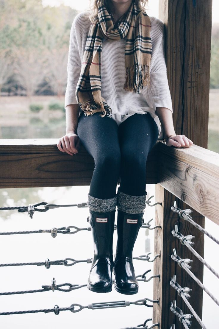White large knit sweater Burberry plaid scarf black leggings and short black Hunters. | My ...