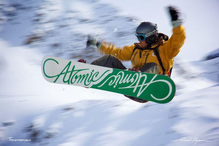 Snowboard Freestyle: http://tazintosh.com #FocusedOn #Photo #Canon EF 24-105mm f/4L IS USM #Canon EOS 5D Mark II #Filé #Panning #Freestyle #Montagne #Moutain #Neige #Snow #Saut #Jump #Snowboard