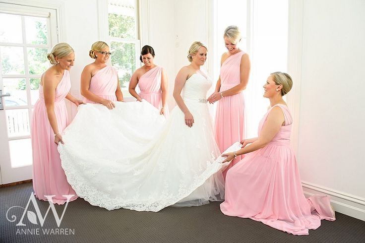 The prettiest colour! Love these Bridesmaids dresses.