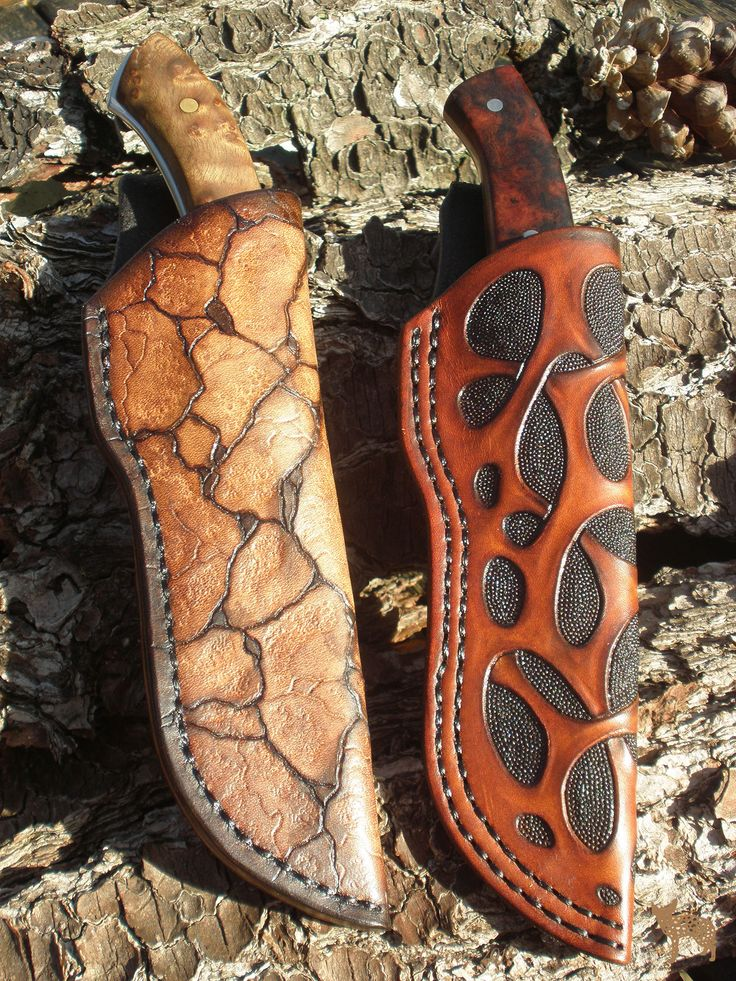 Jeweleeches Vivian Hebing handmade leather knife sheath! You can also find me on facebook or Etsy! Or my webshop: www.jeweleeches.nl