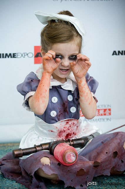 Little Sister from Bioshock cosplay. Creepy but totally cute cosplayer.
