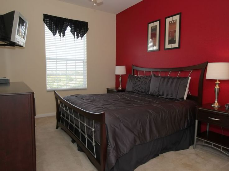 Windsor Hills Resort Condo 3 Bed elegantly decorated. Windsor Hill is located about 1.5 miles from Disney, making it one of the closest Resort communities to Disney. Call Sweet Home Vacation to book your Orlando Vacation stay today! 1-407-624-3885