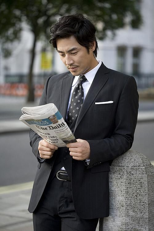 """Dramafever....The Top 10 K-Drama Actors Over 35 You'd Still Call """"Oppa"""". Kim Sung Soo....""""Perfect example of why gorgeous men shouldn't just be standing around in suits. Some girl will walk by, get distracted and trip."""" best dramafever quote"""