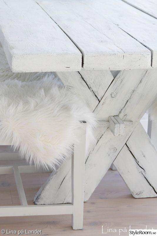 rustikt bord,bord,lantligt bord