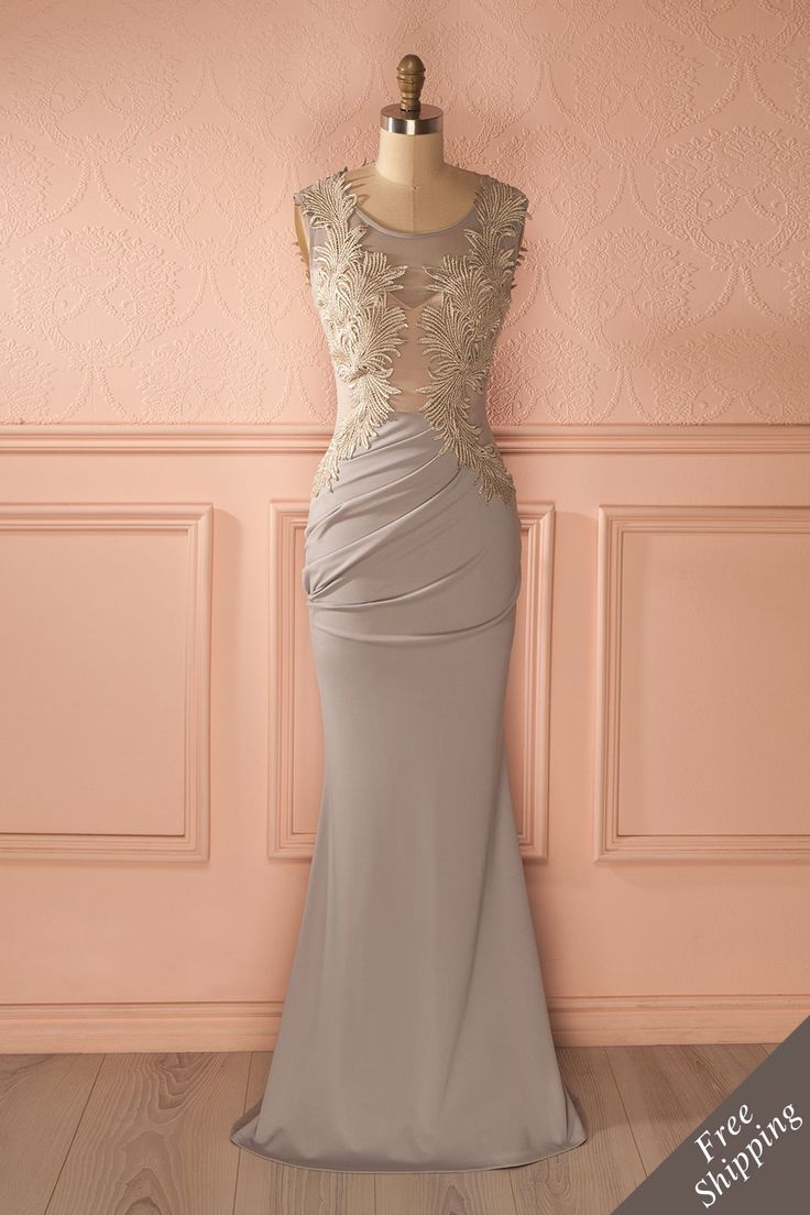 Tous n'avait d'yeux que pour elle.  All had eyes only for her. Karéanne - Gray fitted maxi dress www.1861.ca
