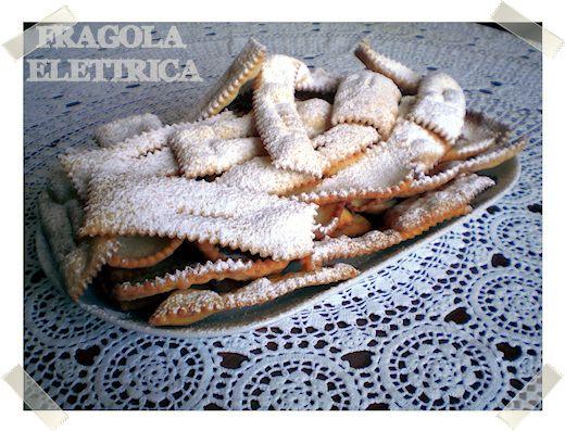 CHIACCHIERE CROCCANTI fragolaelettrica.com Le ricette di Ennio Zaccariello #Ricetta #Carnevale