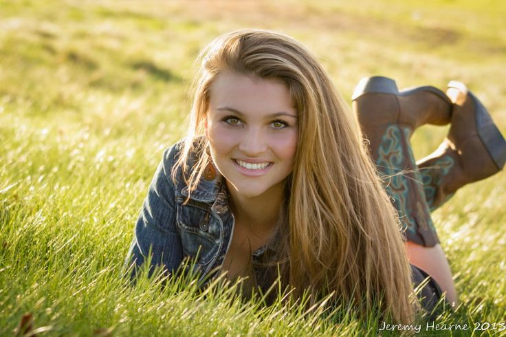 Country Girl senior photo idea