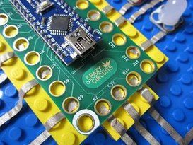 Crazy Circuits: an Open Source Electronics Learning System