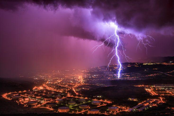 Um dia de extremas condições meteorológicas.  Fotografia: Marko Korošec.