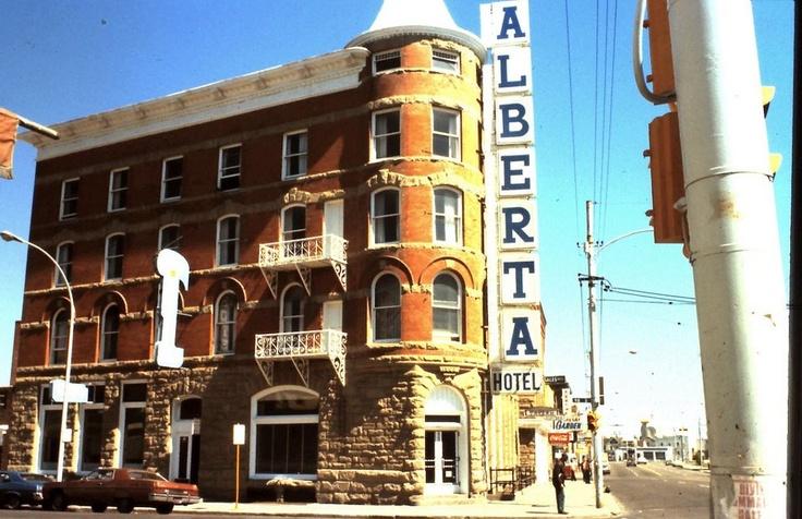 Alberta Hotel, Jasper ave & 96st. 1970. Image Courtesy of Vintage Edmonton https://www.facebook.com/TheVintageEdmonton