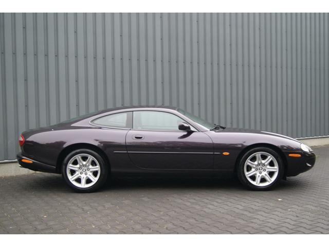 Jaguar XK 8 Coupé 4.0 V8 294PK AMARANTH *42.151KM..!* (1999) | Occasions…