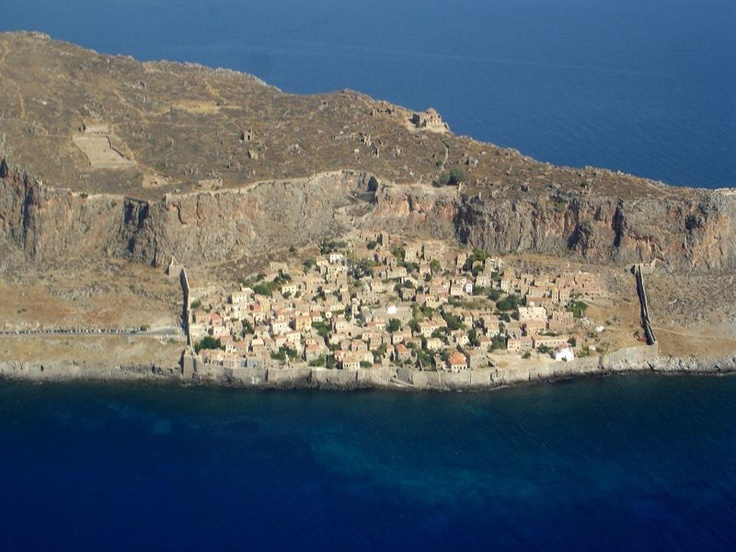#Monemvasia the historic castle town - a destination that echoes symbolic cousins in some other parts of the world, Mont St Michel in France and St Michael's Mount in #England.   http://www.superbgreece.com/Peloponnese/Monemvasia/hotels.htm
