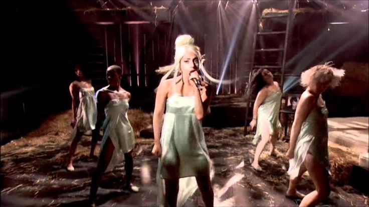 Lady GaGa - You & I - Jonathan Ross Show HD