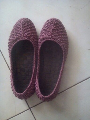 Sepatu cover rajut