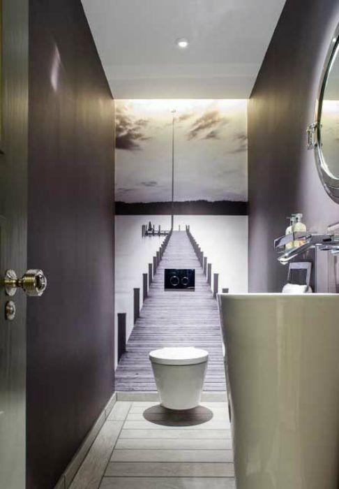 Фотообои в интерьере туалета.
