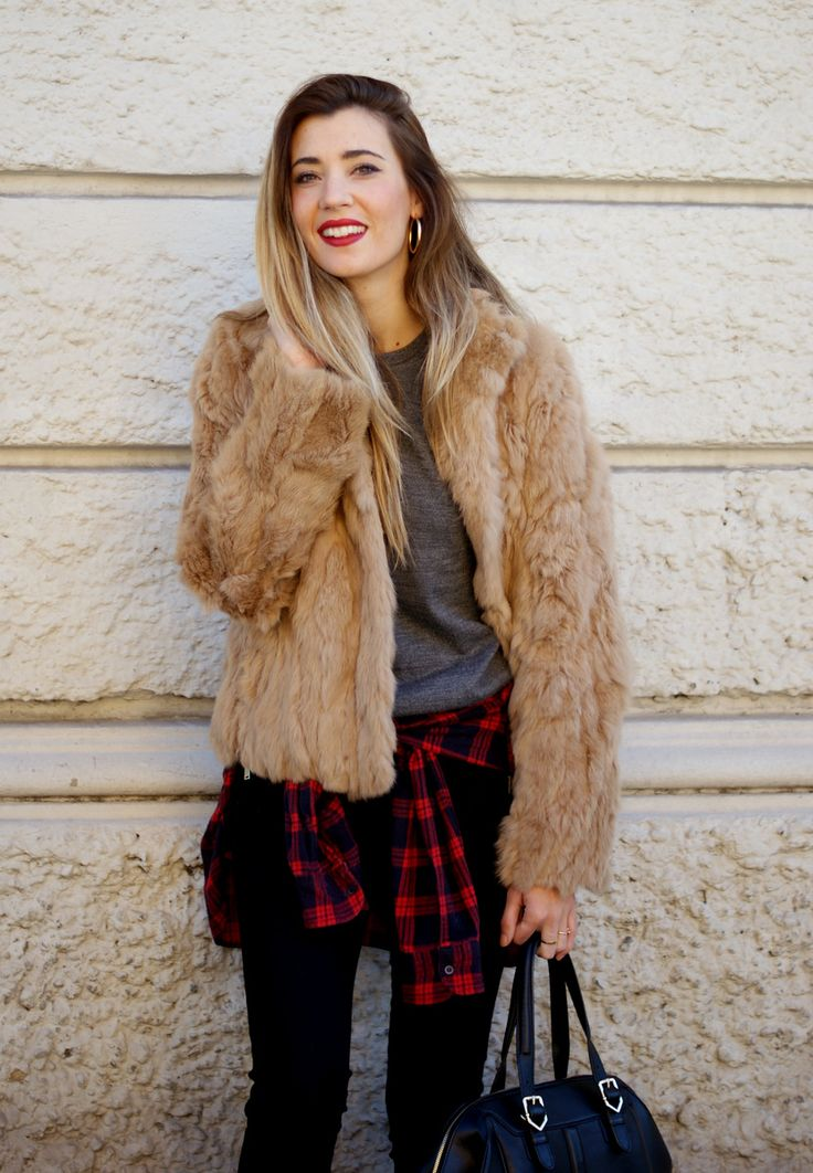 http://stylelovely.com/themidniteblues/2015/01/21/grunge/ grunge, plaid, black, fur, uterque, zara, californian highlights, look, lookbook, street style, style, ootd, outfit, wiw, blog, blogger, fashion, moda, itgirl, mercedes maya, blonde, barcelona, spain, italy,