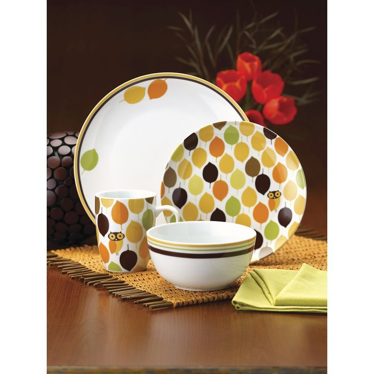 Set the table for fun using the Rachael Ray Dinnerware Little Hoot 16-Piece Porcelain Dinnerware Set. Inspired by Rachael's love of owls and entertaining, the contemporary dinnerware brings a playful look to the table and teams perfectly with Little Hoot serveware and flatware. The dishes are also ideal for mixing and matching with other pieces in any of Rachael's Little Hoot collections to create personalized table settings for casual brunches or special dinners. The dinn...